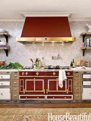 1-hbx-red-oven-kitchen-0312-mdn-medium_new