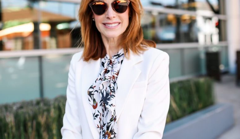 IVORY BLAZER AND A GIVEAWAY