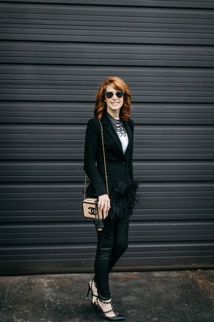 BLACK BLAZER WITH FEATHERS- BLACK LEATHER LEGGINGS- DALLAS FASHION BLOGGER