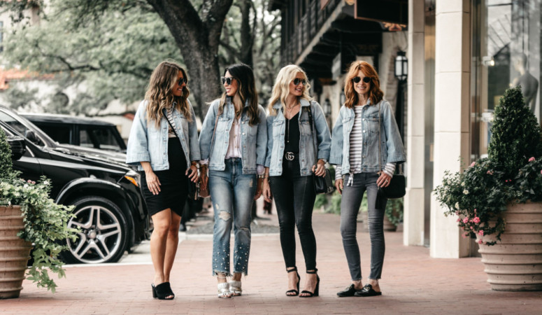 CHIC AT EVERY AGE-BELL SLEEVE DENIM JACKET(ON SALE)
