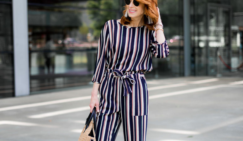 AN EASY STRIPED OUTFIT