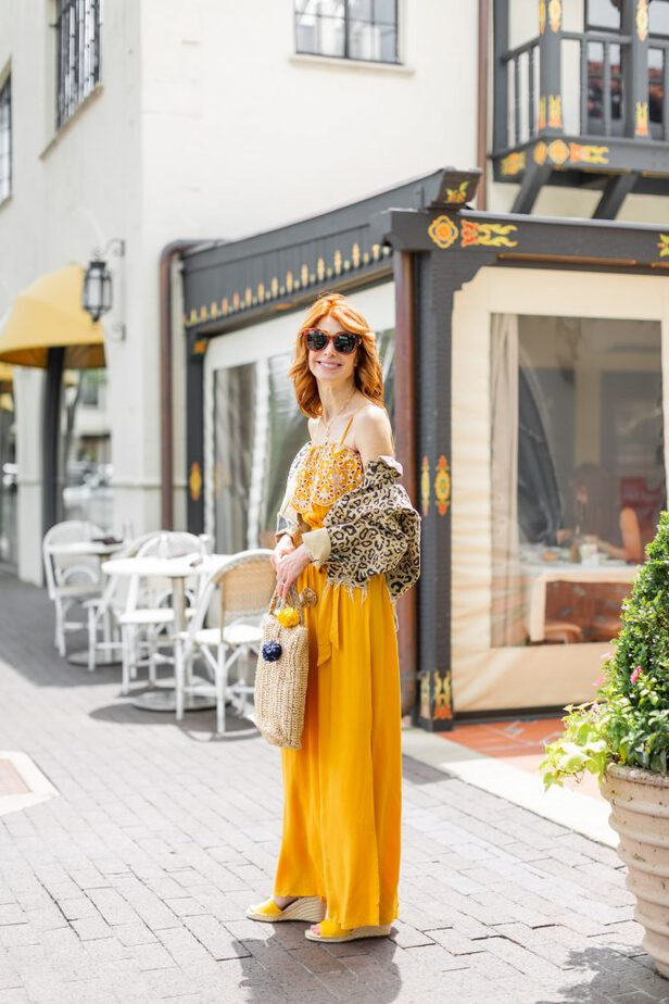 a yellow summer outfit