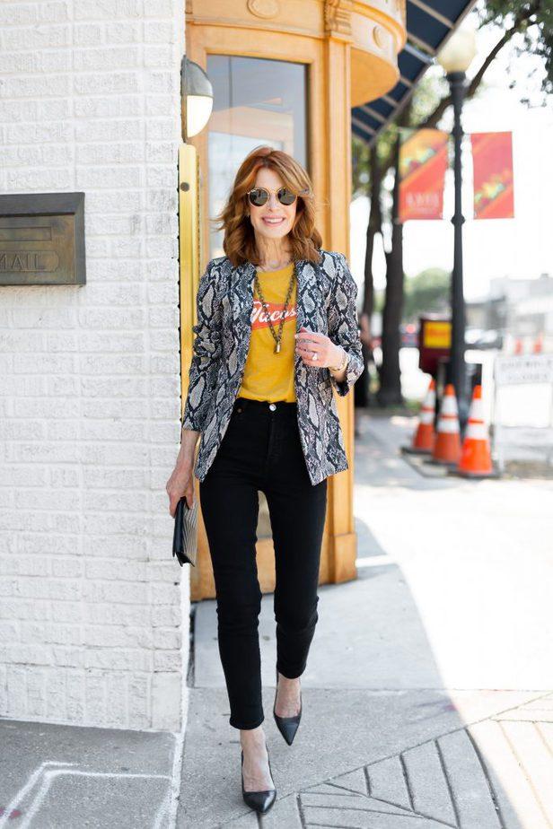 Black snake print blazer on Dallas blogger