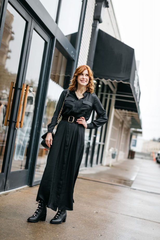 Over 50 Dallas Blogger wearing Black Shirt Dress