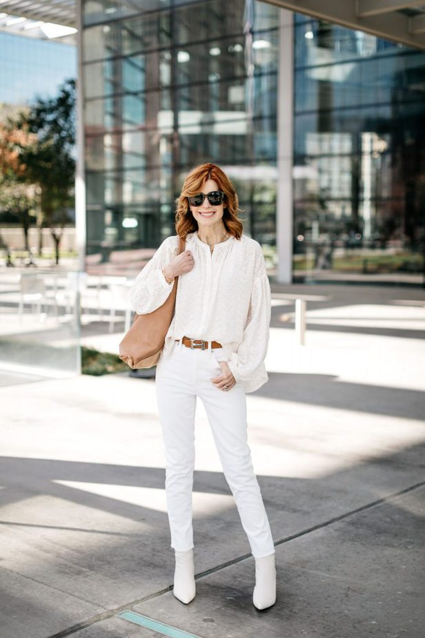 Cathy Williamson wearing Diff Bella Sunglasses and Shiraleah tote with Hermes belt