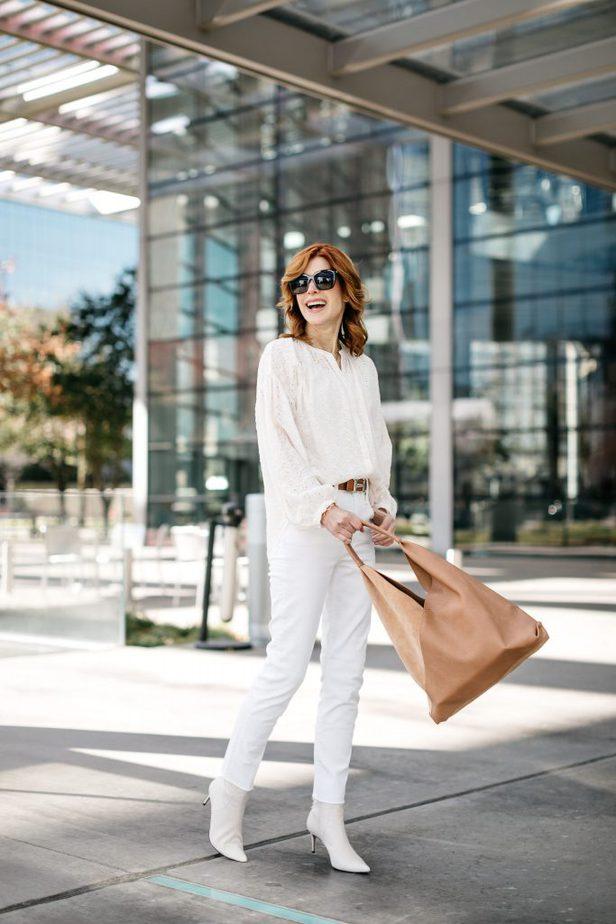Over 40 Dallas Blogger wearing Diff Bella Sunglasses and Shiraleah Tote