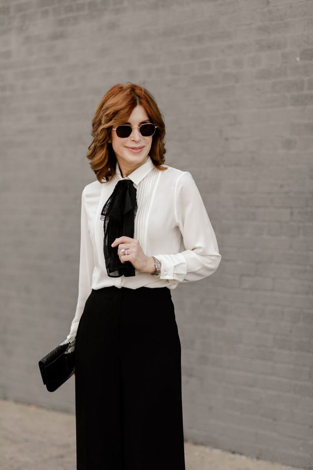 Over 40 Dallas Blogger wearing a Classic and timeless look by Anne Fontaine