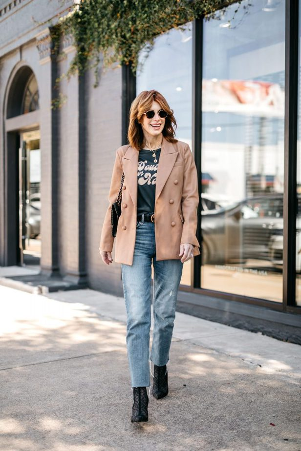 OVER 50 FASHION BLOGGER WEARING BLANKNYC FAUX LEATHER BLAZER WITH GRAPHIC TEE
