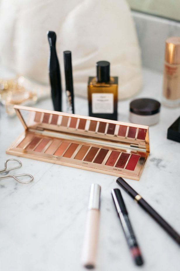 Charlotte Tilbury Pillow Talk Eye Shadow Palette on Dallas Blog