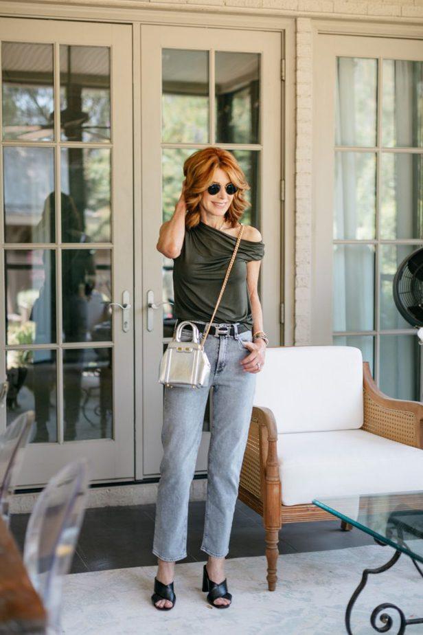 Dallas Blogger carrying Bene Italian Luxury Handbags