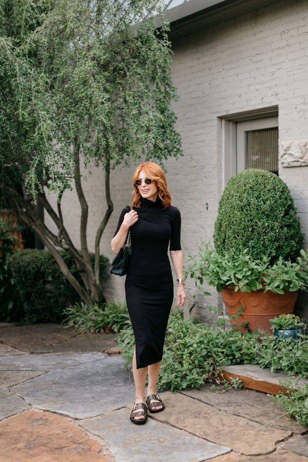 How to style a simple black turtleneck dress on Dallas Blogger