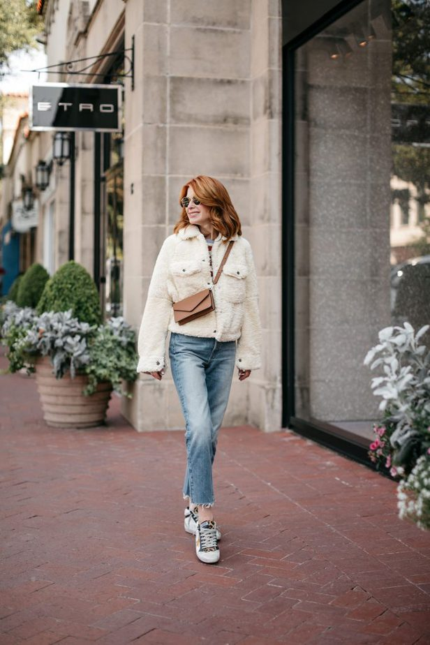 Dallas Blogger With Leatherology Crossbody Bag