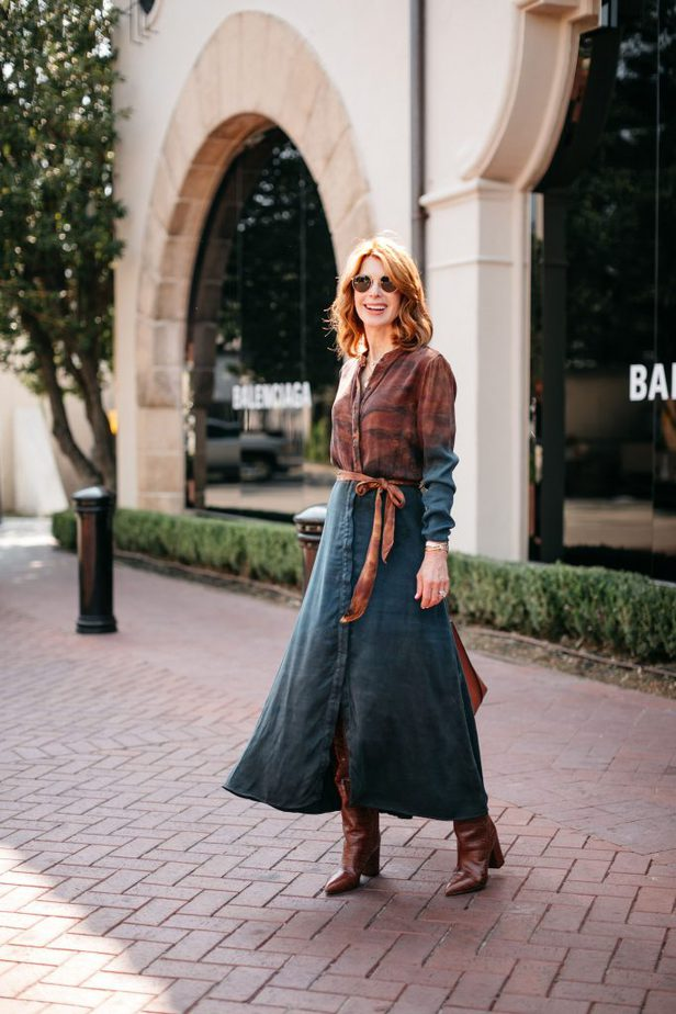 Dallas Blogger in Bella Dahl Brown and Blue Shirtdress