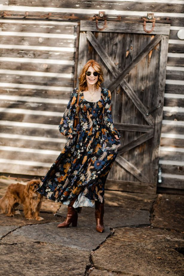 FLORAL DRESSES TO WEAR NOW AND LATER | Dallas blogger in floral dress from La Ligne