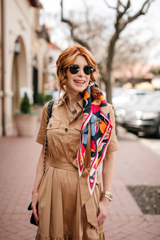 Dallas Blogger with Scarf tied in hair