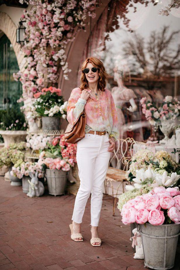 Dallas woman blogger wearing Cotton Candy Color Blouse