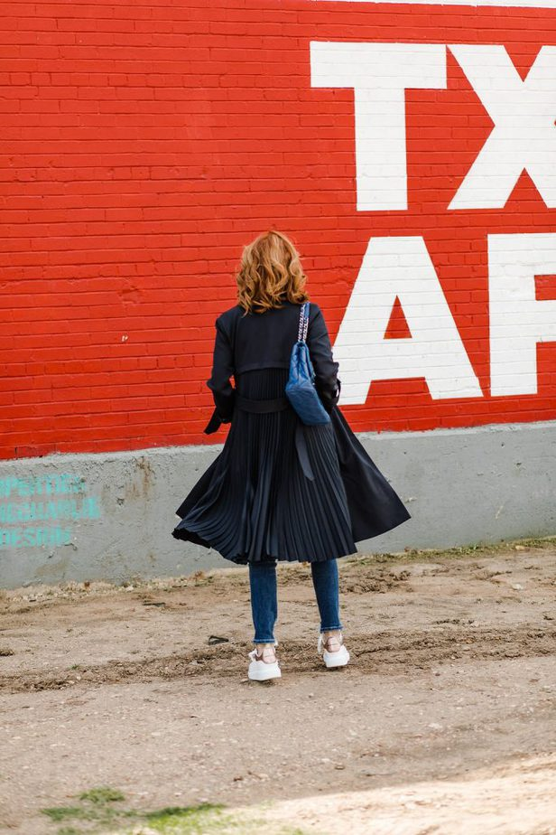 Navy pleated back trench coat from Sandro on Dallas Blogger