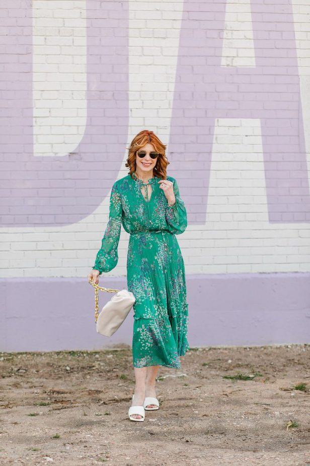 Green Ted Baker Dress on Dallas Blogger wearing whit sandals and holding a bag