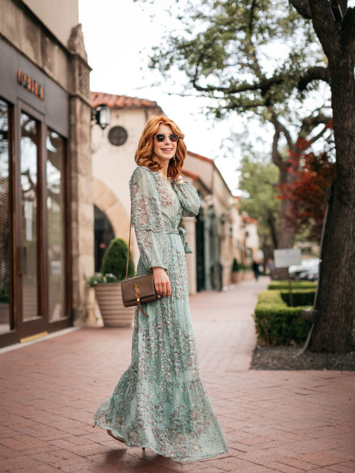 Dallas blogger in mint green maxi dress with tie waist for wedding season