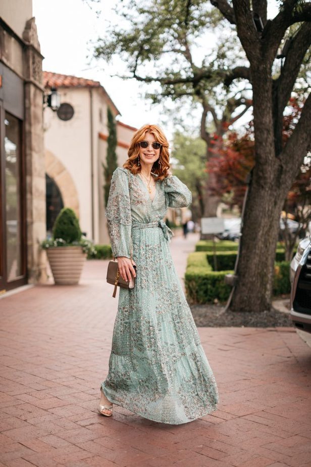 Dallas blogger in mint green long dress for wedding season