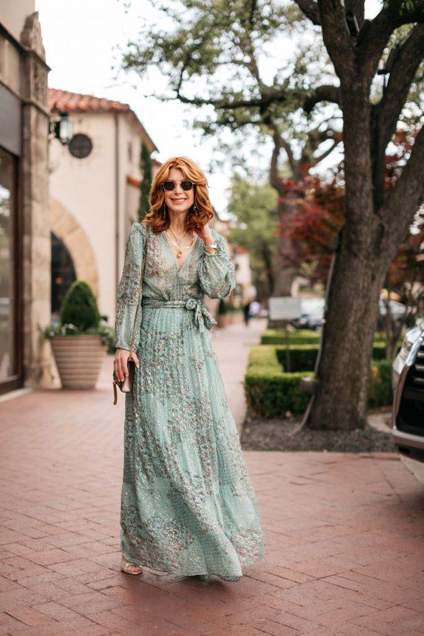Dallas blogger in ba&sh Oriane dress for wedding season