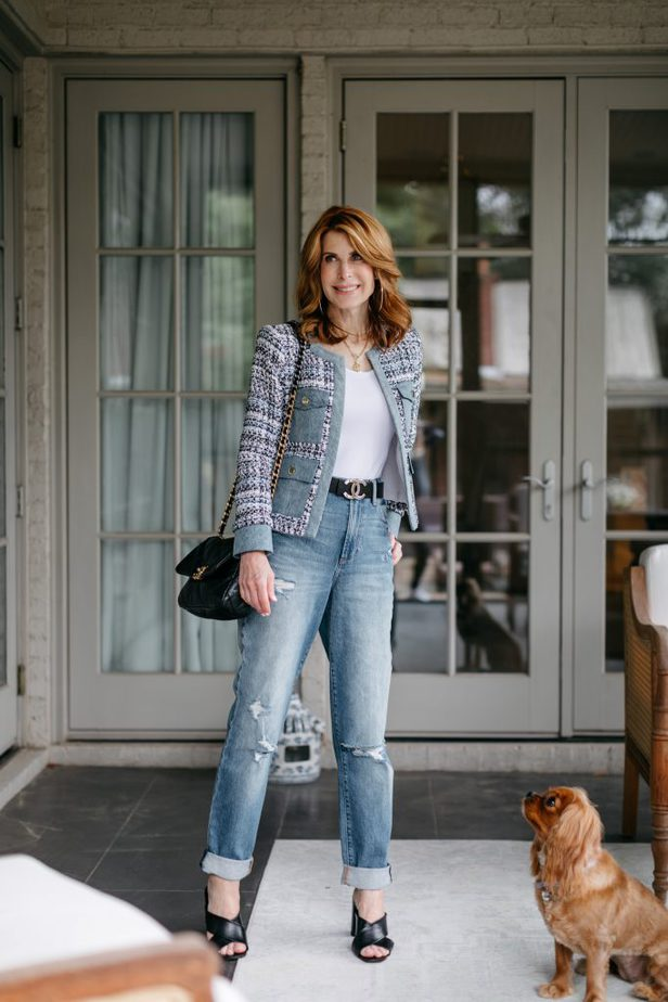 Dallas Blogger smiling while wearing Alice and Olivia Tweed and Denim Jacket for the Blues